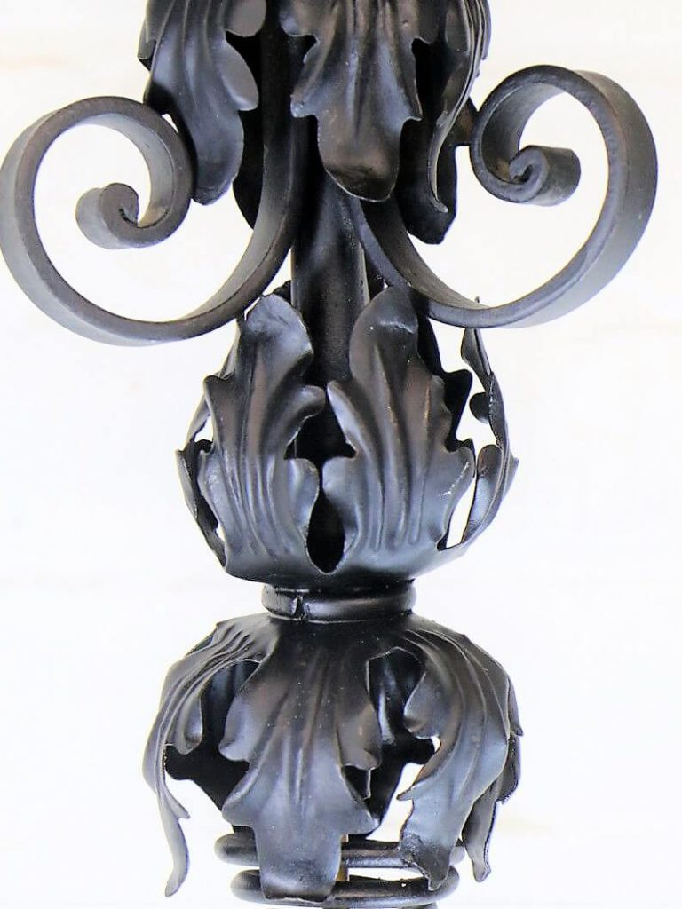 The history & design of Art Nouveau Lighting.