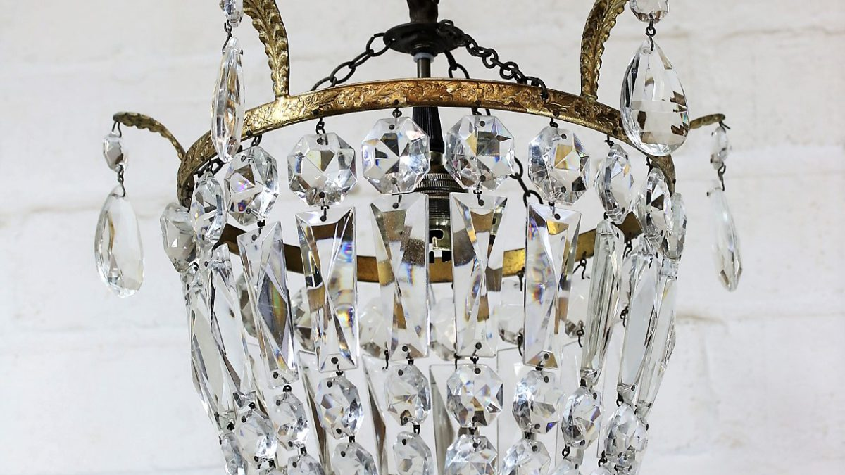 Restoring Vintage Crystal Chandelier Lighting.