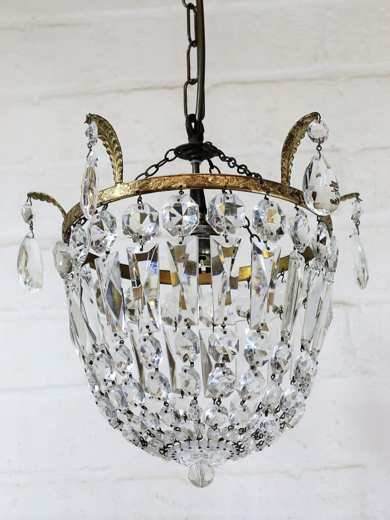 Restoring Vintage Crystal Chandleier Lighting.