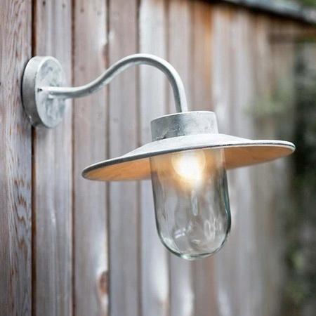 A Guide to Quality Exterior Garden Lighting.